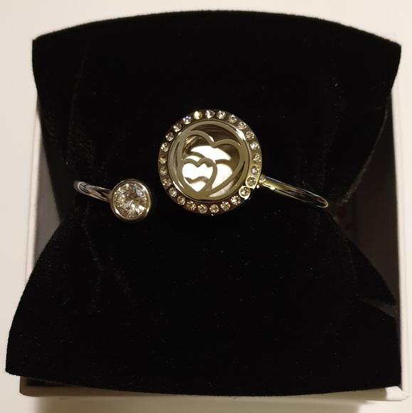 anavia Jewelry - Essential Oils Heart Charm Bracelet